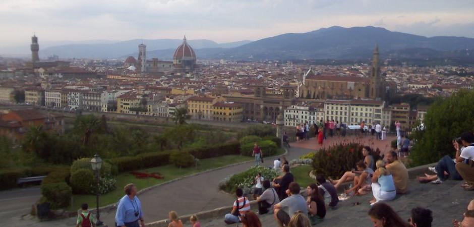 5. Jazyková výprava: Pohled na florentský chrám a celou Florencii z Michelangelova náměstí (Piazzale Michelangelo)