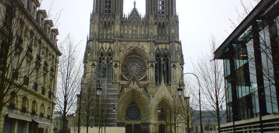 4. Jazyková výprava: Remešská katedrála, navštěvujeme po cestě do Paříže
