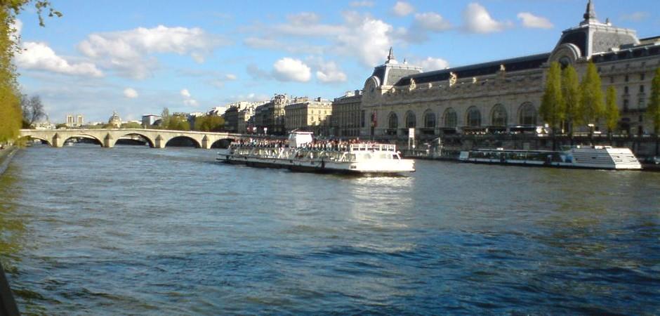 4. Jazyková výprava: nábřeží řeky Seiny, Paříž